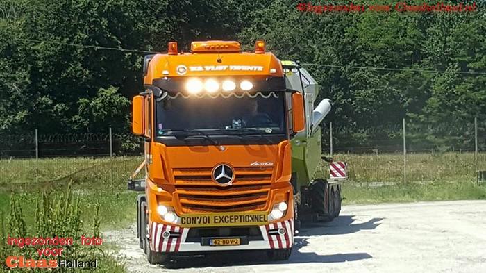 Claas machines op transport door van Der Vlist Twente deel 16