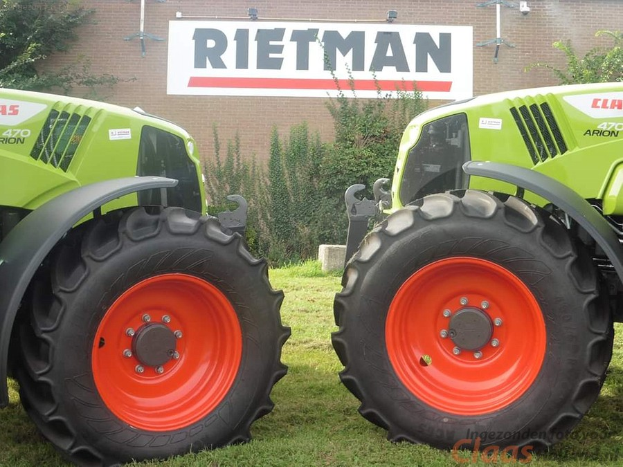 CLAAS dealer Rietman levert 2 x CLAAS ARION 470 CIS+ af.
