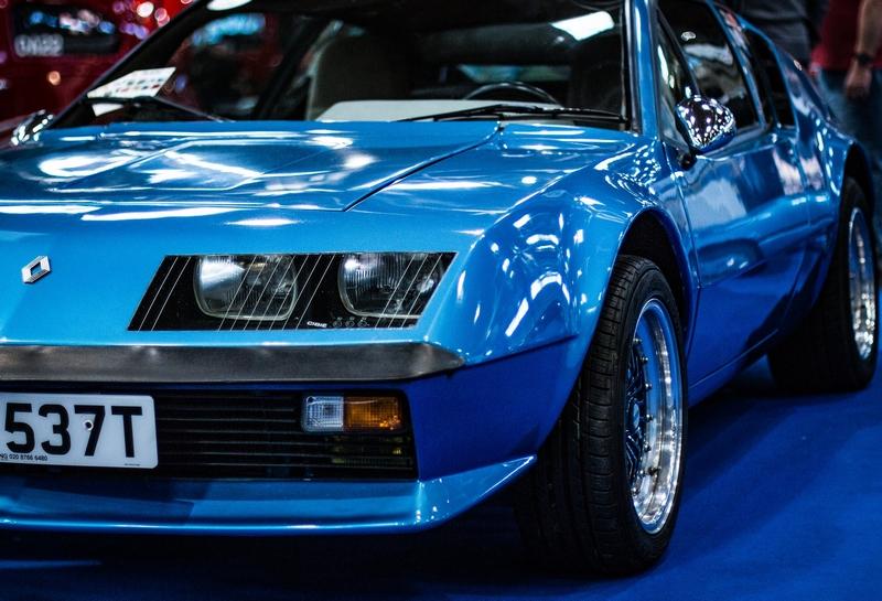 photo couleur renault alpine bleue