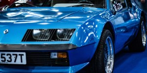 photo couleur renault alpine bleue