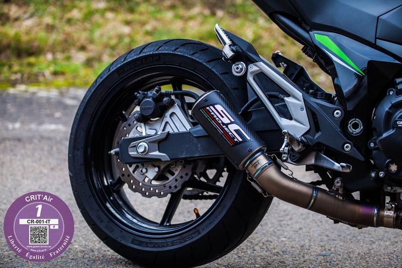 photo couleur échappement moto vignette