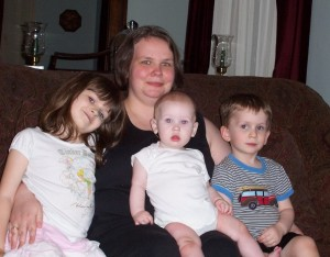 Sarah and kids (July 4, 2008)