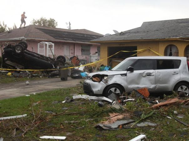 cape coral tornado damage1