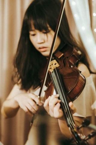 小提琴老師、鋼琴老師玫吟