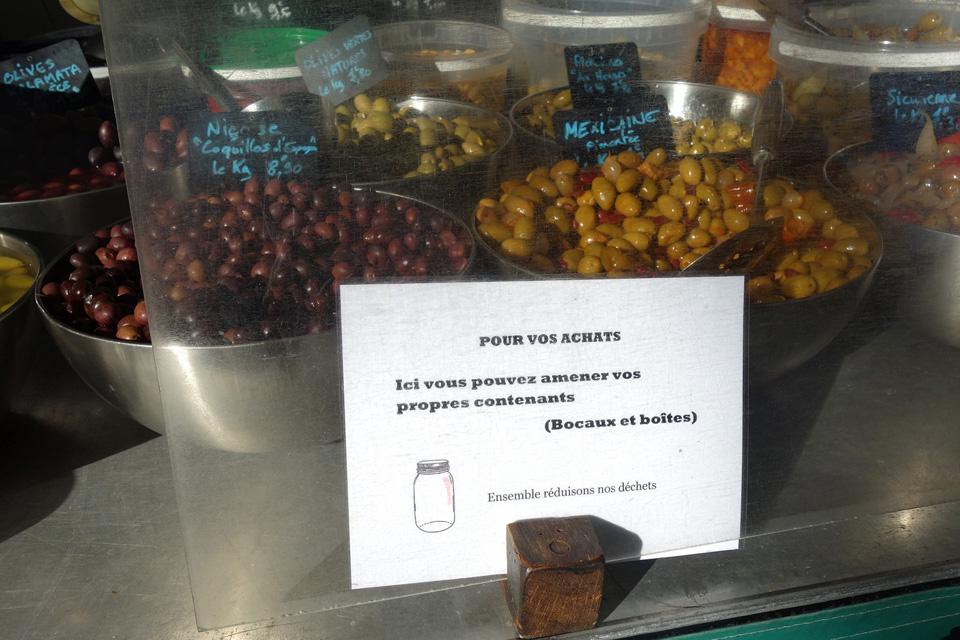 Une petite affichette pour inciter les clients à venir au marché avec leurs bocaux