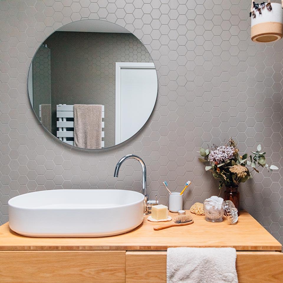 Les astuces pour nettoyer sa salle de bains au naturel