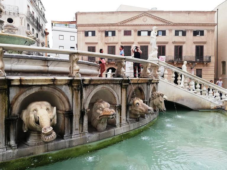 fontana della vergogna Palermo