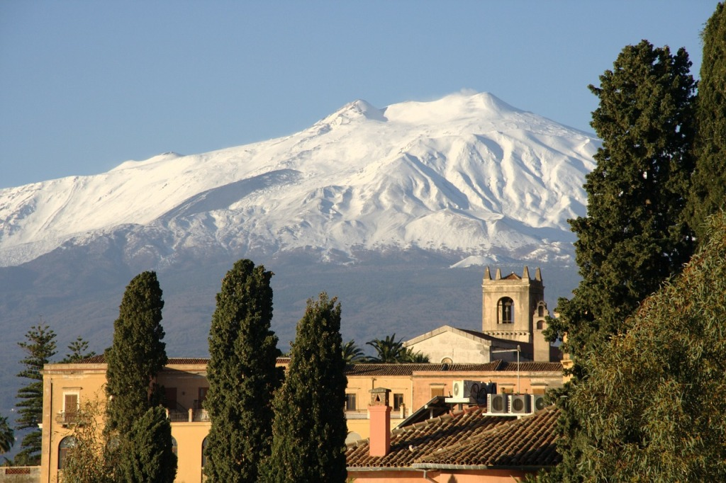 paeseggio d'inverno in sicilia