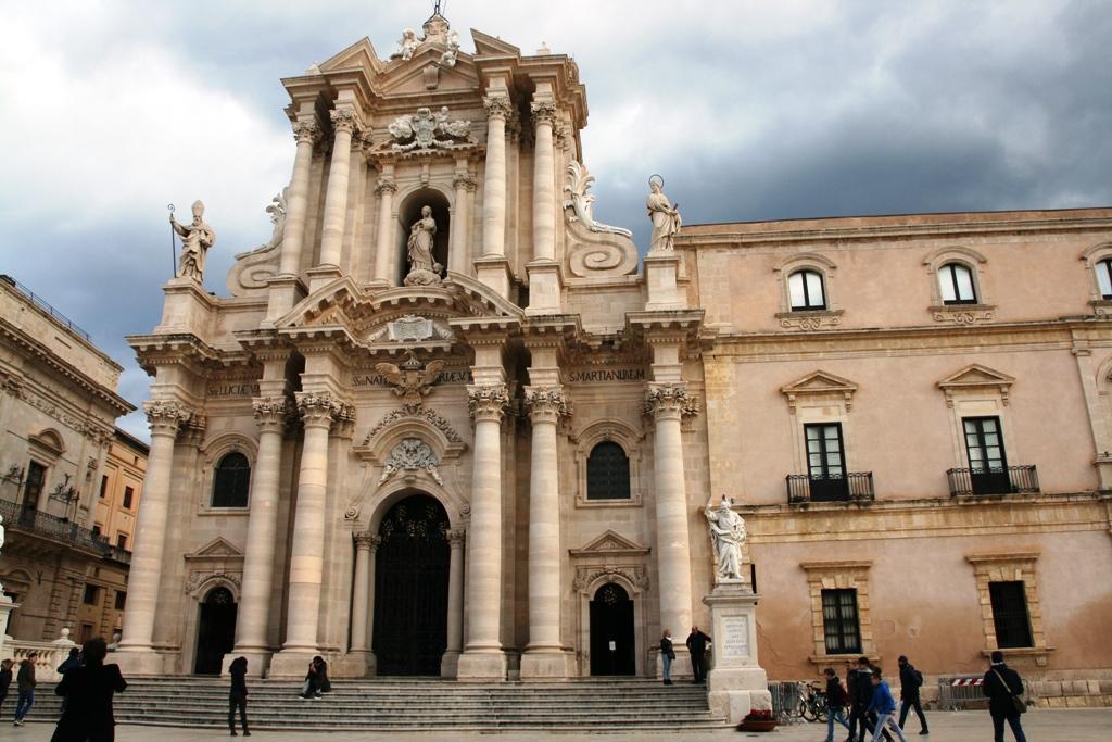 il Duomo di Siracusa visto durante un viaggio con i bambini