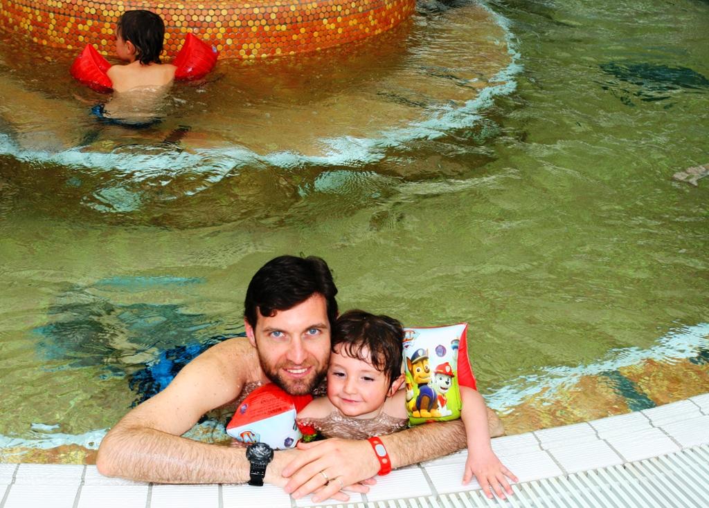 papà e bambino alle Terme in Slovenia