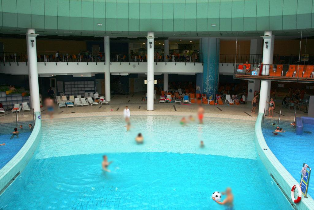 terme con bambini in slovenia-piscina dall'alto