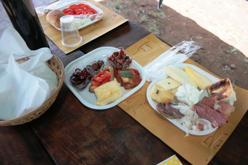 pranzo tipico di una gita fuori porta in Sicilia
