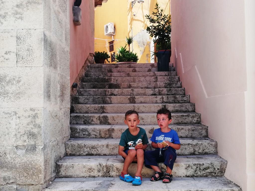 ragusa-ibla-con-i-bambini_salita.jpg