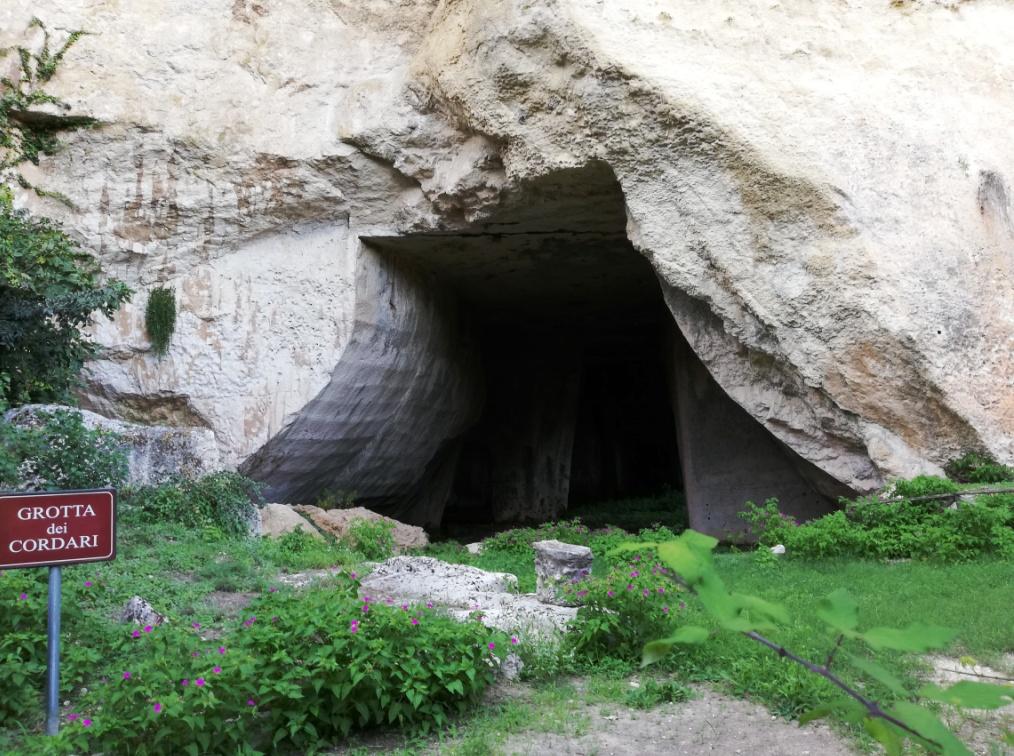 Grotta dei cordari presso il Parco archeologico di Siracusa