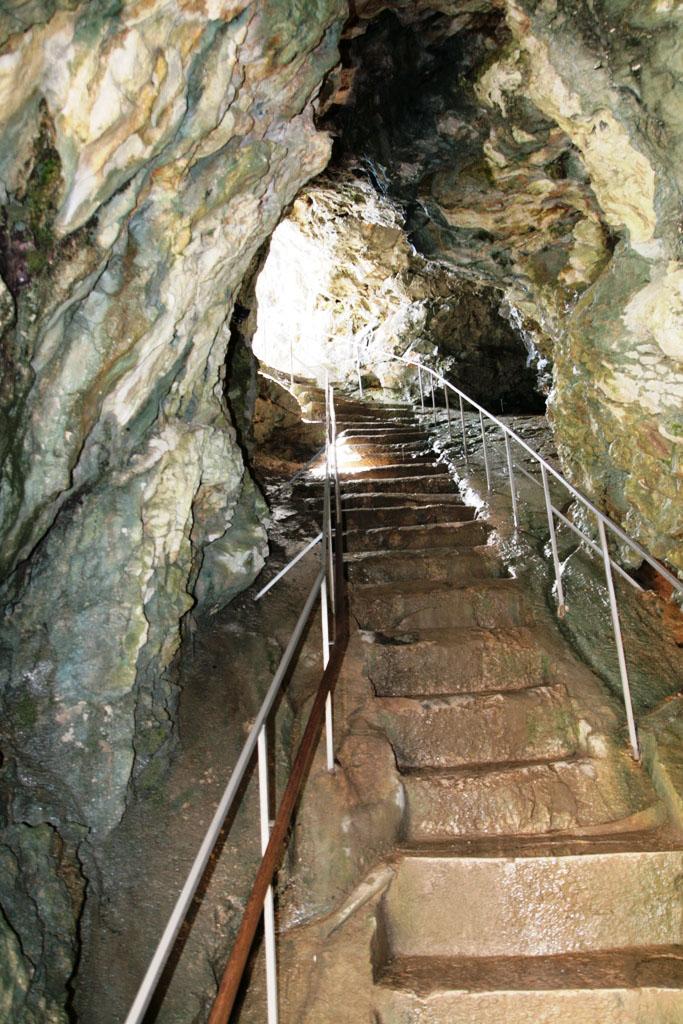 scale al castello di predjama