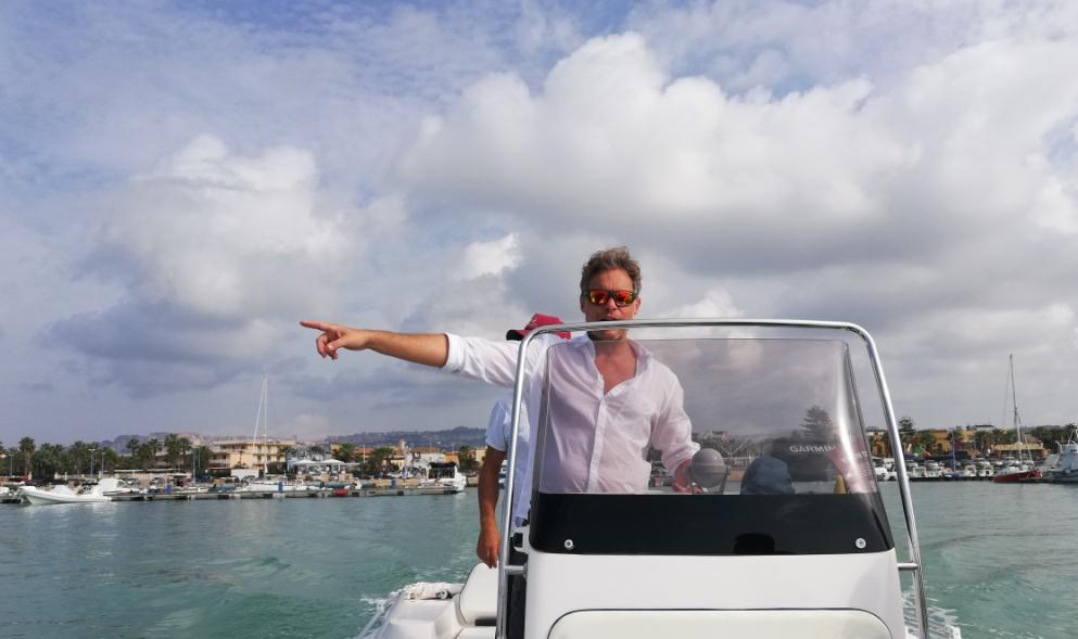 skipper in barca a Agrigento