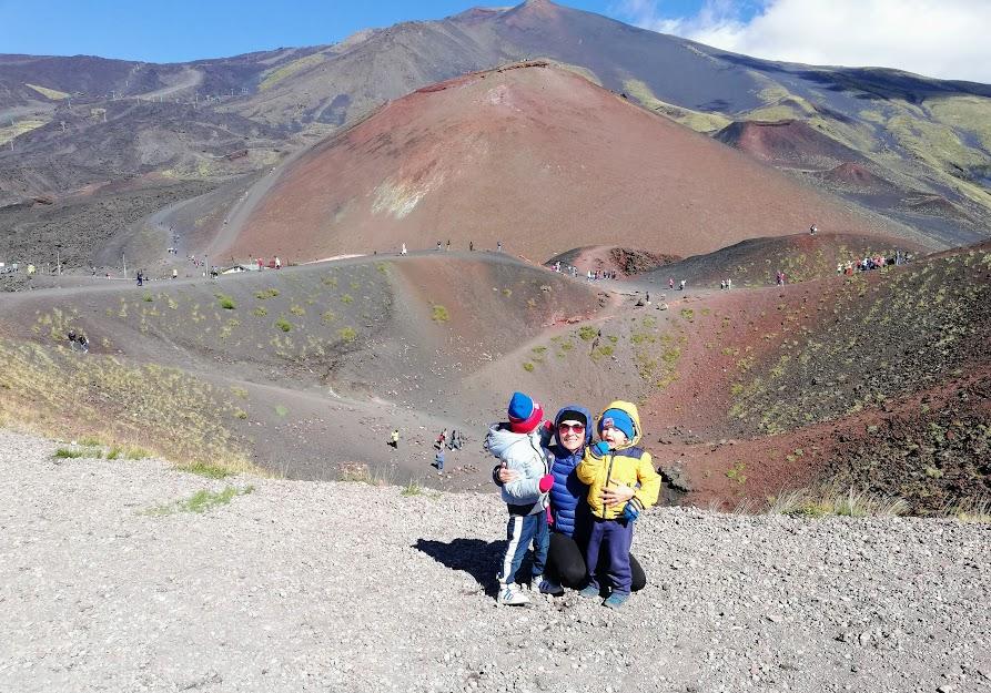une famille sur l'Etna