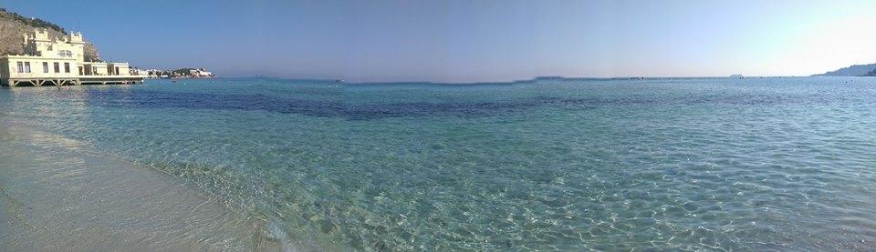 spiaggia di mondello a Palermo, Sicilia