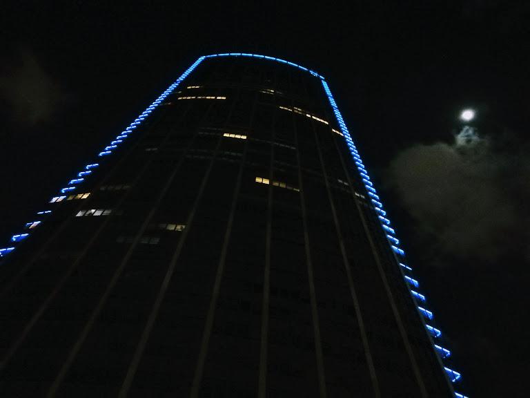 tour montparnasse di sera