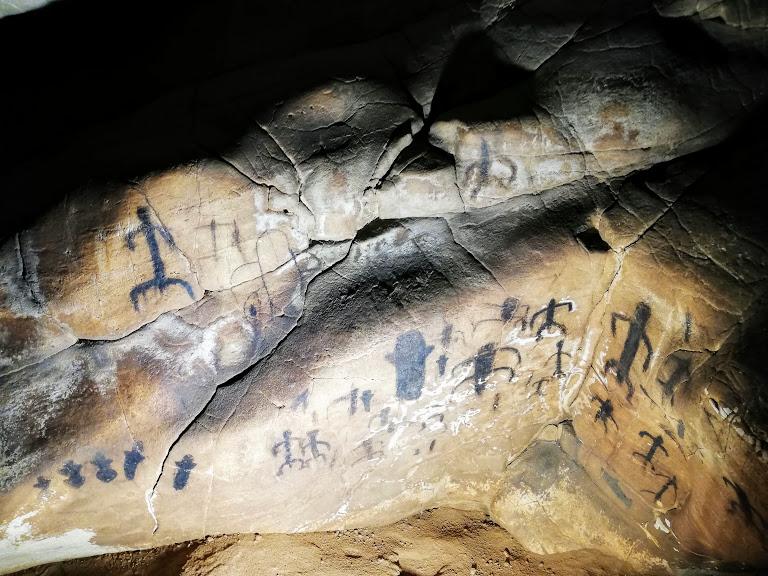 graffiti alla grotta del Genovese