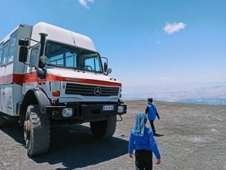 bambini sull'Etna in funivia e jeep