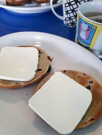 big-island-clairesblog-hawaii-bears-cafe-bagels