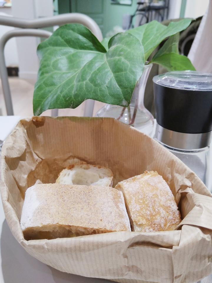 café des feuilles rennes restaurant city guide