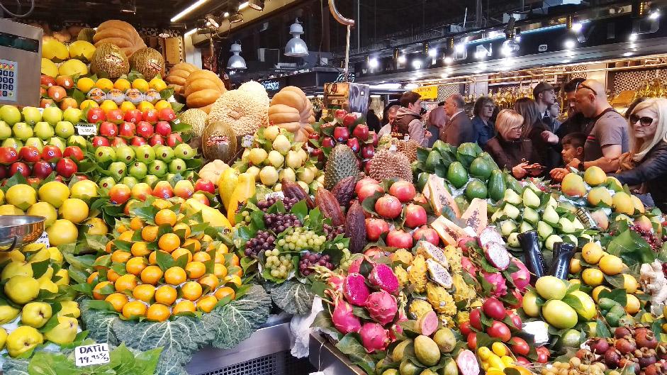 Barcelone-Espagne-la-boqueria-marché-fruits-légumes
