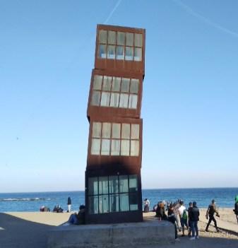 barceloneta-plage-sculpture-barcelone-espagne