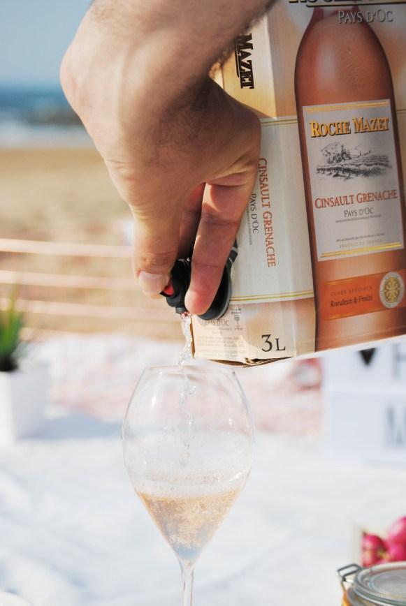 Un picnic sur la plage avec Roche Mazet