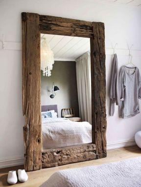 grand miroir posé sur le sol déco (1)