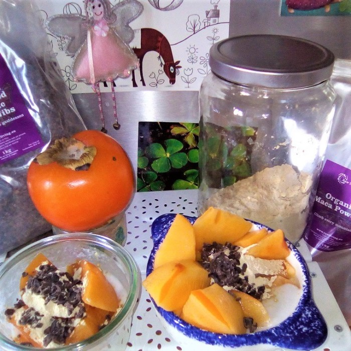 The healthiest autumn snack for our children, our teenagers and ourselves: kaki, maca, yoghurt and #raw #chocolate - Claire Samuel