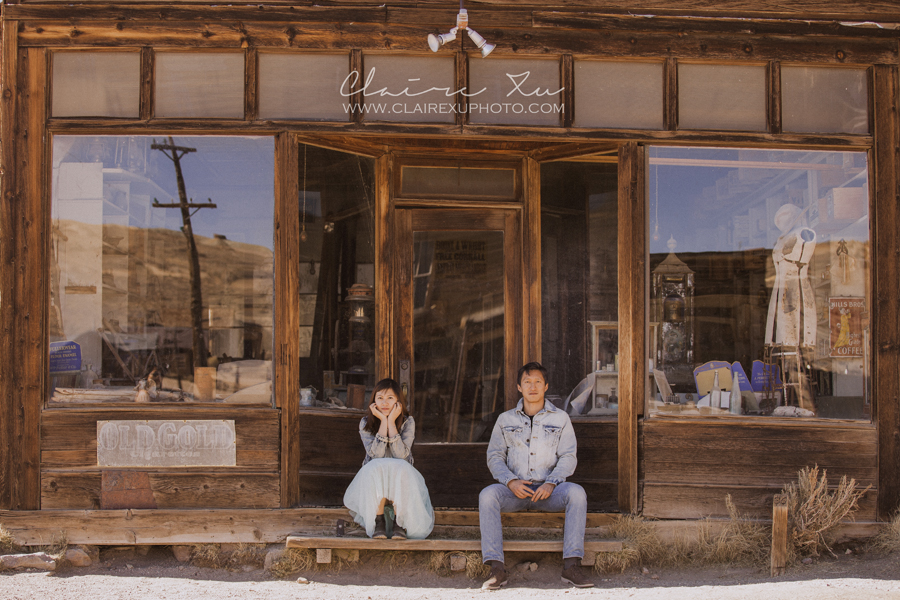 Eastern_Sierra_Fall_Bodie_Ghost_Town_Engagement-10