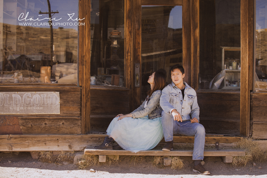 Eastern_Sierra_Fall_Bodie_Ghost_Town_Engagement-12