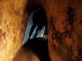 Tunnel - Cu Chi - Vietnam Claironyva