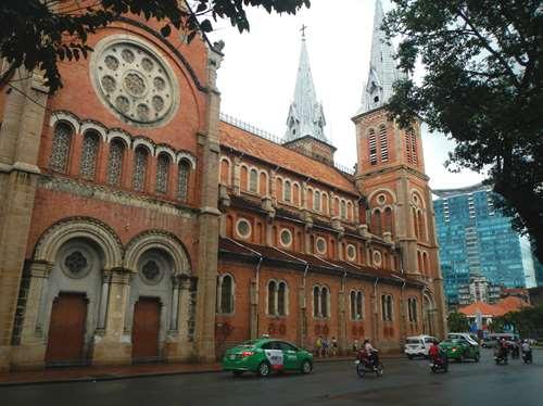 Claironyva Vietnam Ho Chi Minh Saigon cathédrale
