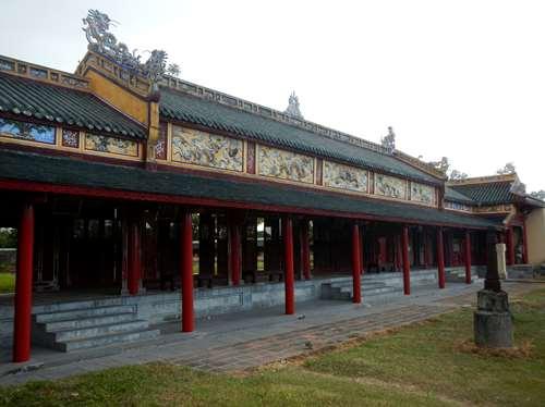 Couloir du Palais Thai Hoa