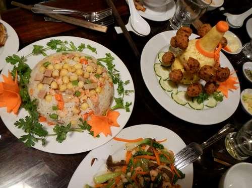 Repas impérial à Hue