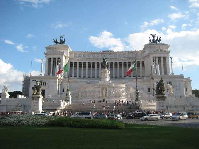 Italie-Rome Piazza Venezia Claironyva