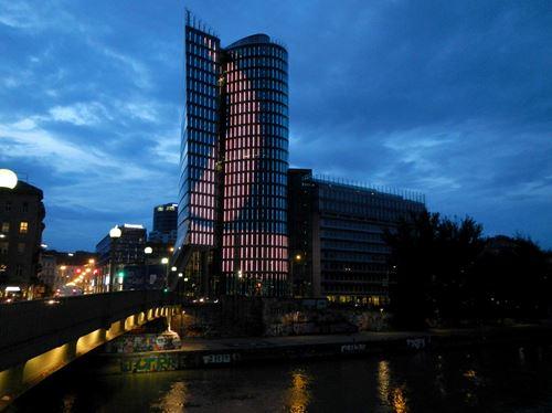 Vienne by night Claironyva