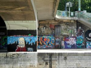 Vienne Claironyva Canal Danube Street Art