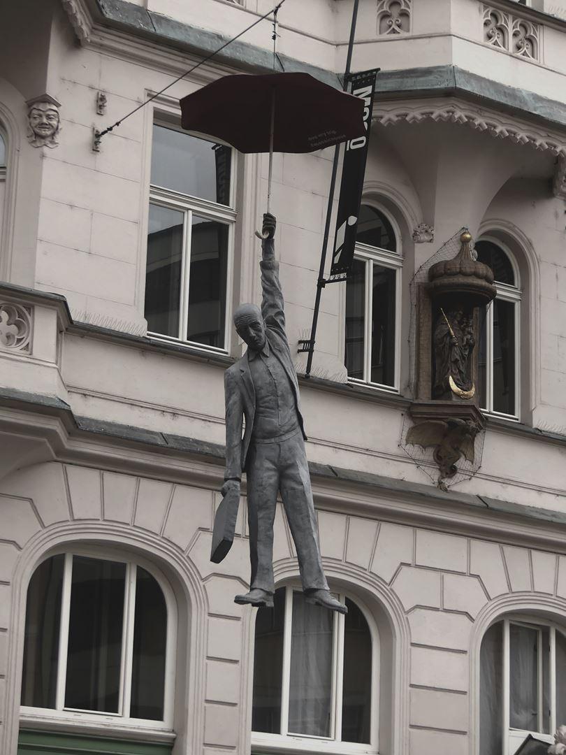 Claironyva Week End Prague Art