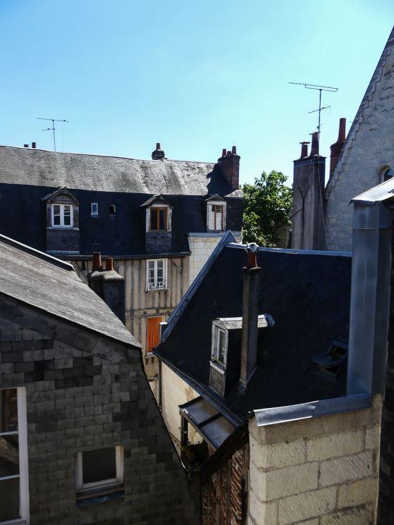 CLaironyva Tours Hotel du théâtre vue sur les toits