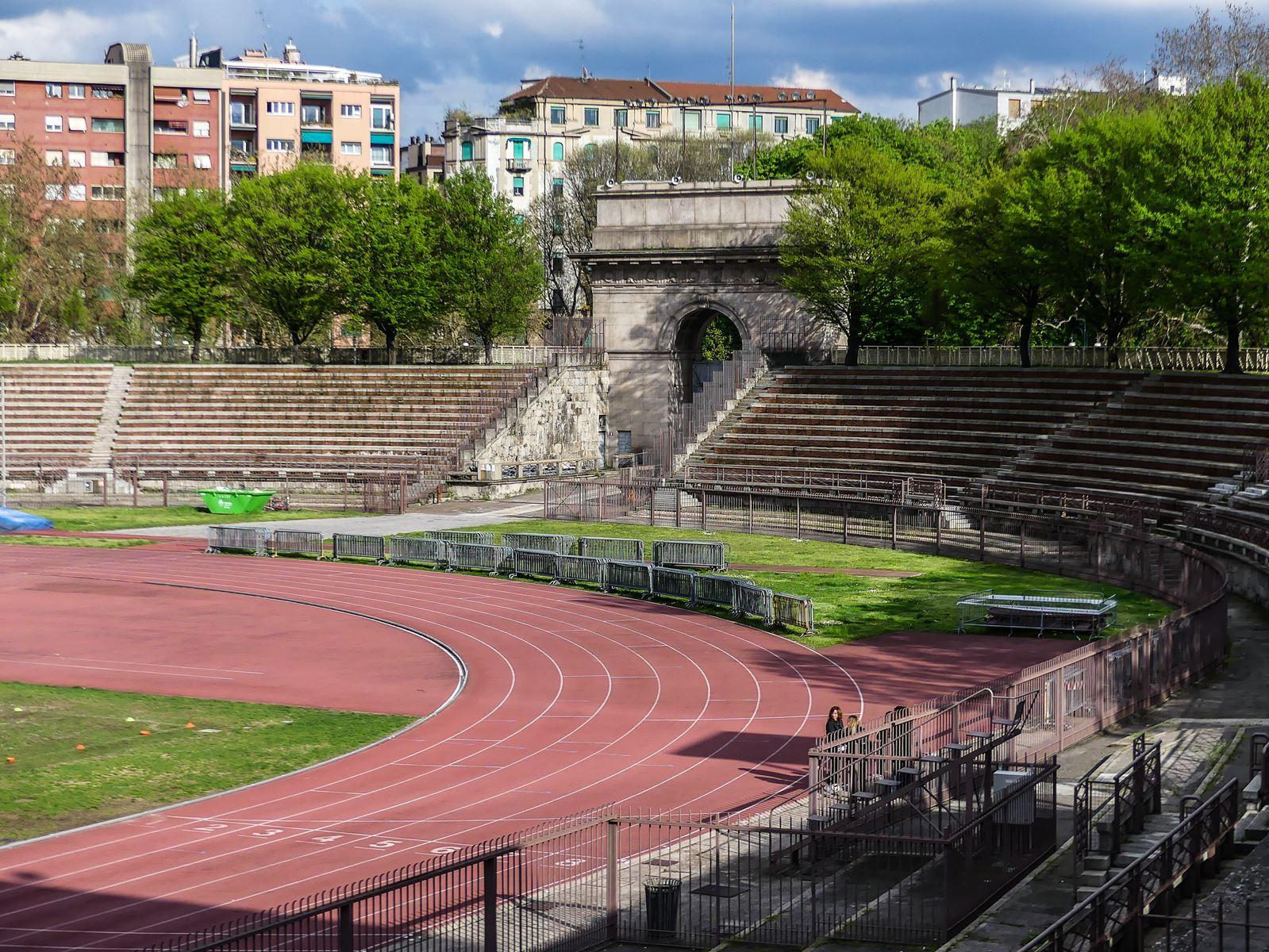 claironyva italie milan parc sempione arènes