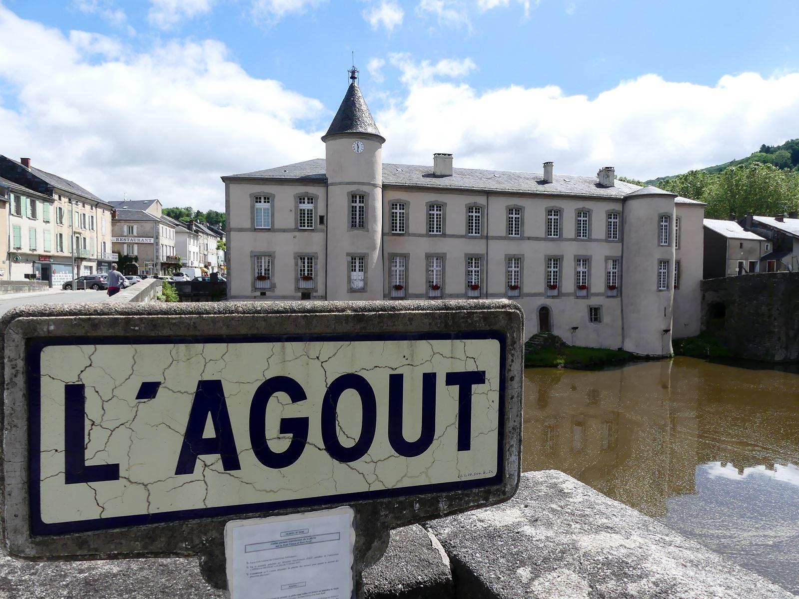 Brassac l'Agout et la jolie mairie