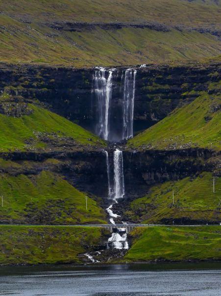 Arrêt en voiture pour voir la cascade de Fossa
