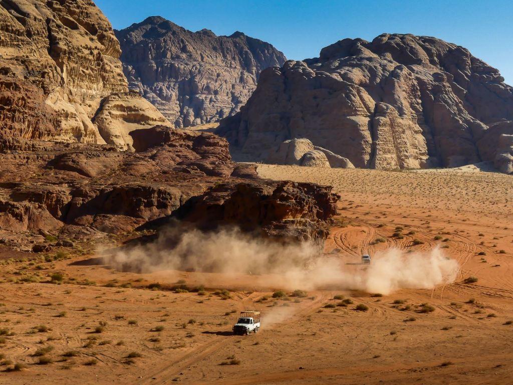 Wadi Rum - les fous du volant se rejoignent