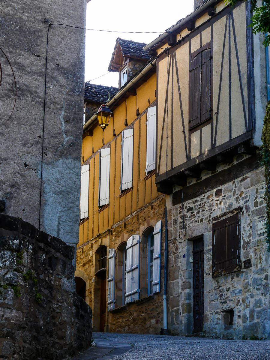 Jolie rue à Najac