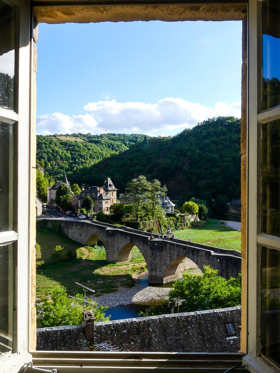 Aveyron - Vue du Château d'Estaing