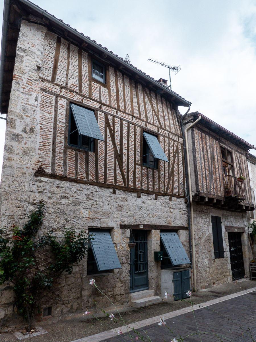 Lauzerte et ses jolies maisons à colombages